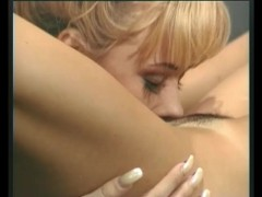 Lesbian Kingdome - Julia Reaves