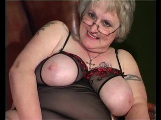 Bigtits Blonde Chubby video: Granny smoking, waiting for your dick - Julia Reaves