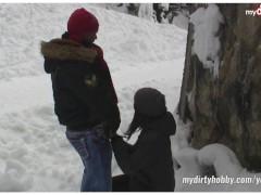 Picture Deutsche 20y-Girls lieben Outdoor Wintersex