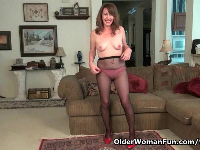 American milf tracy peels off her pantyhose and masturbates - 2 part 3