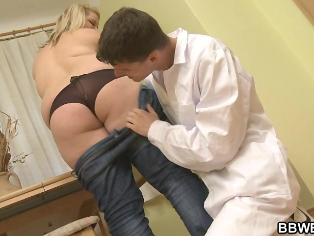 Female doctor fucks patient