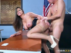 Picture Brazzers - Sexy milf Brooklyn Chase teaches her s...