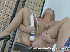 Hot Blonde Bates Solo to Grooling Pulsating Hitachi Orgasm