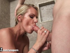 Picture WANKZ - Hot Stepmom Gets Fucked In The Showe...
