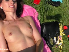 Picture Jeny Smith naked in a city park