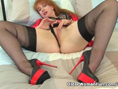 Picture British milf Red puts her vibrator to work