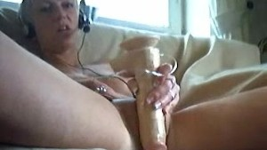 Blond german Girls plays on webcam