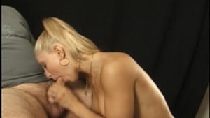 Masked Caprice gives great head
