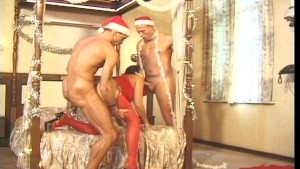 Santa knows how to treat his elves!! 3/5