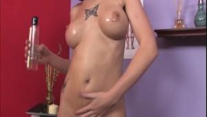 Locksmith payed by a sexy masseuse