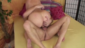 Handjob for both to cum (CLIP)