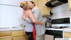 Hardcore Mature Milf in Kitchen Gets Surprise