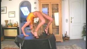 Pornstar Karen flexible posing