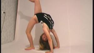 Regina show a flexible strip