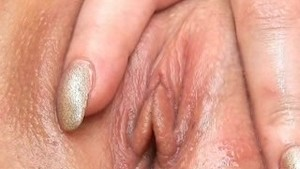 18 Year Old Ariana Contracts her Vaginal Muscles!