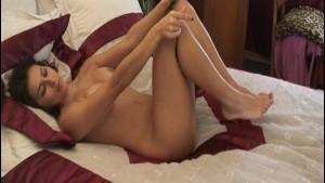 Gorgeous Moroccan MILF Masturbates to Orgasm