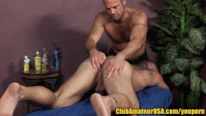 Muscle Daddy Gets Fingered