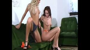 Lesbian flexible glamour babes (clip)