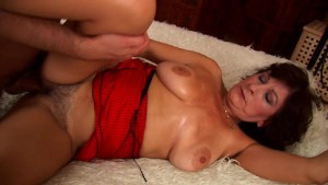 Mature Alma jizzed on