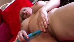 Beautiful big tits mature amat