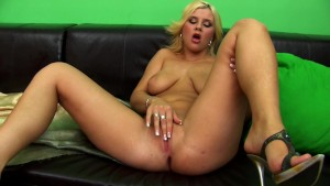 Blonde Alexandria with two dildos