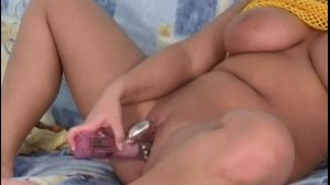 Chubby amateur Anne plays solo