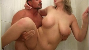 Plump blonde chick nailed in the shower - Banapro s.r.o.