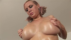 Rachel horny in the kitchen - CzechSuperStars