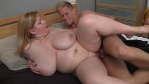 Chubby slut gets her pussy filled with his hard dick