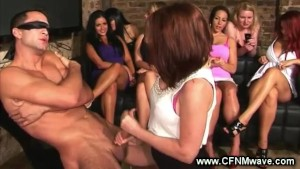 Horny female crowd watching a sluts head game on hard cock