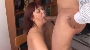 Big tits mature BBW loves to s