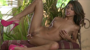 Petite Latina model Veronica Rodriguez cums on her fingers