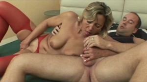 Older woman fucked by her personal trainer - Julia Reaves