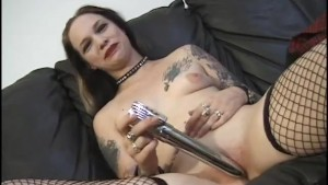 Really Hot Punk Rock Chick Pussy Play - Vixen Pictures