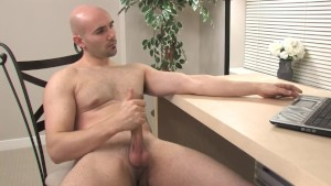 Baldy Hottie Jerks Off - Mavenhouse