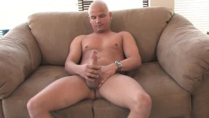 Uncut bald guy jerking it - Mavenhouse