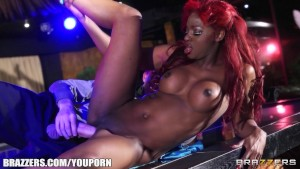 Perky ebony stripper gets fuck
