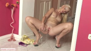 Teen Dolly Spice Fucks Glass Toy