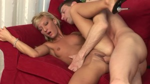 Gorgeous Model Gets Fucked Proper - Playvision