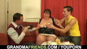 Threesome fun with mature plum