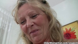 Granny with big tits gets fing