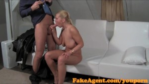 FakeAgent Amazing blonde works her perfect ass in casting