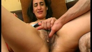 The hairy pussy of Sonia