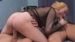 Amateur girlfriend anal threes