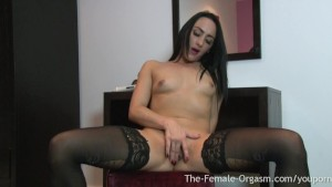 sexy coed masturbates her monster pussy lips to orgasm