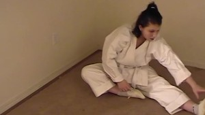 Karate girl trains her pussy - Train Wreck