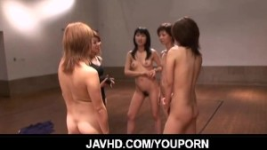 Naked Japanese chicks