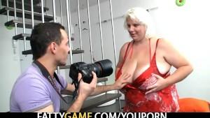 Shooting pics of her huge boob