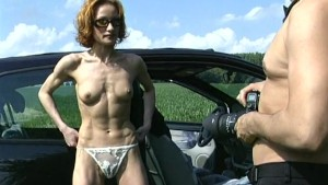 Hooker gets strong outdoor fuck