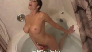 MILF Bathtub Photo Shoot